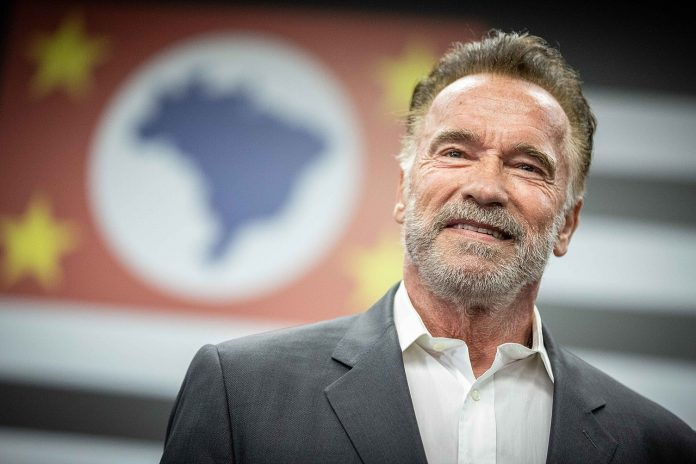 Schwarzenegger Refuses to Enter Gold's Gym Over No Face Mask Policy